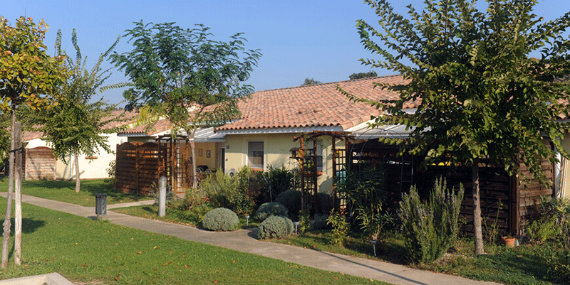 senioriales-rochefort-du-gard-extérieur