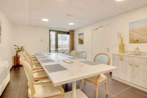 table-hote-residence-senior-st-malo-girandieres