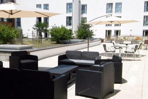 terasse-residence-senior-chalon-girandieres