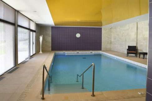 piscine-residence-senior-raisins-bleus-domitys