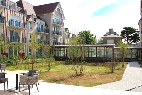 exterieur-residence-senior-ouistreham-jda