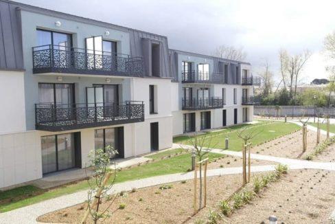 facade-exterieur-residence-senior-olonne-domitys
