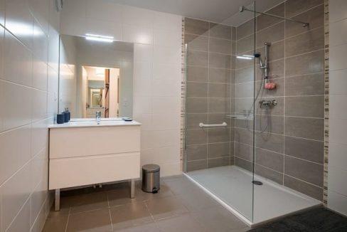 salle de bain- happy senior - Capinghem