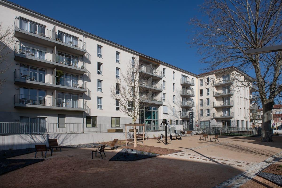 facade-exterieur-residence-senior-Puy-en-Velay