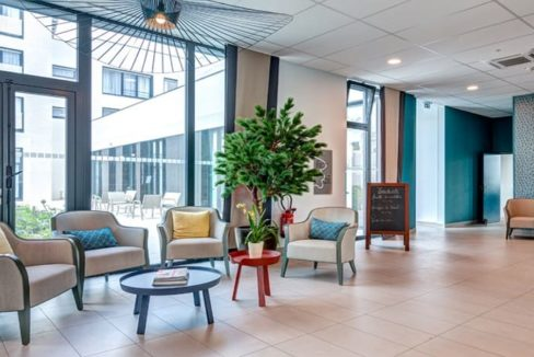espace-commun-residence-senior-bretigny-girandiere
