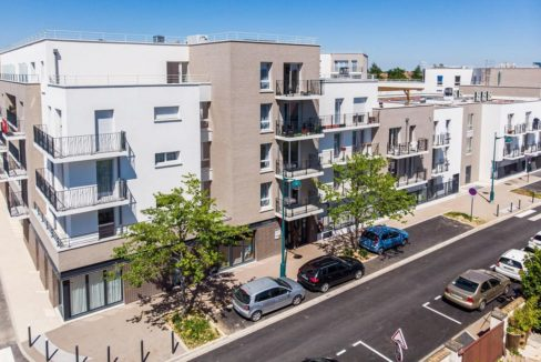 facade-exterieur-residence-senior-bailly-les-girandieres