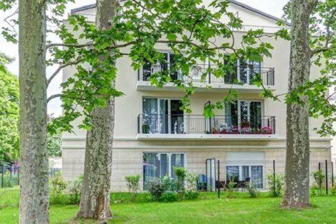 exterieur-residence-senior-montigny-girandieres