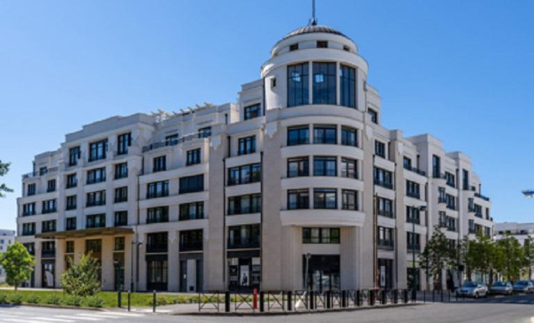 facade-victoria-palazzo-chessy (2)