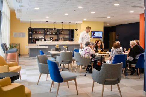 bar-residence-senior-olympe-domitys