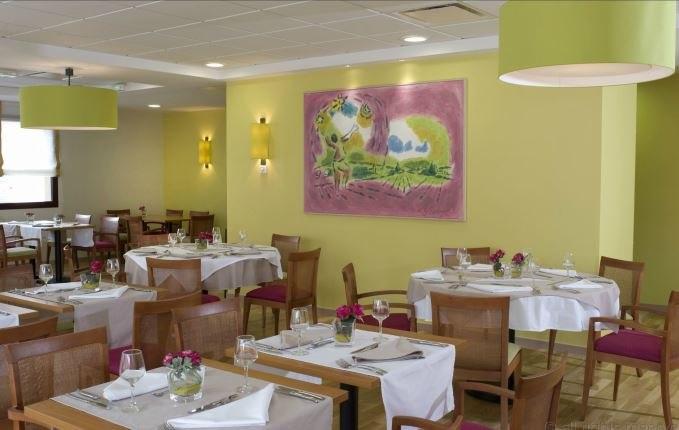 domitys-montrond-les-bains-le-parc-saint-germain-ext-restaurant