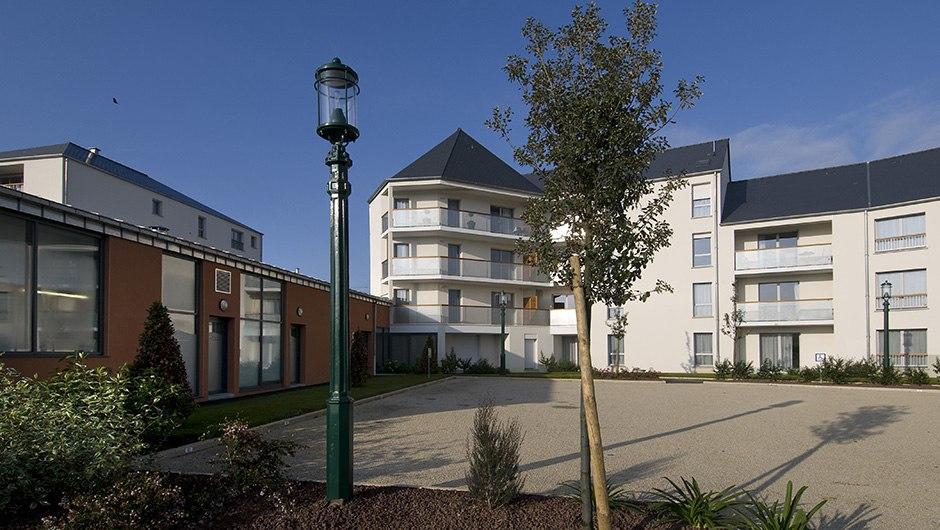 residence-senior-vitre-domitys-marquise-ext1
