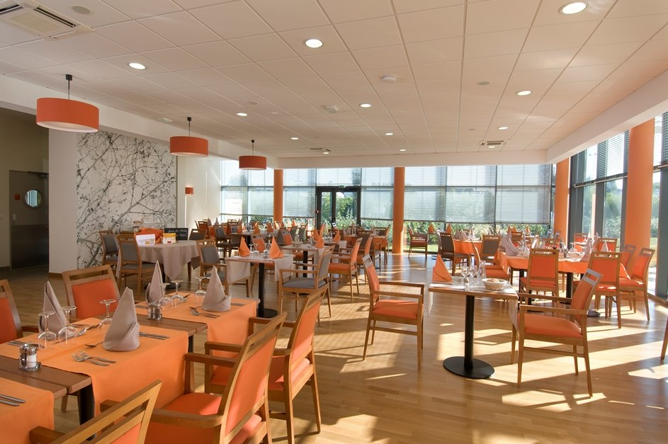 residence-senior-vitre-domitys-marquise-restaurant