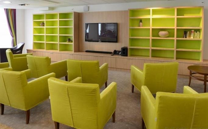 residence-seniors-cambrai-domitys-salon2