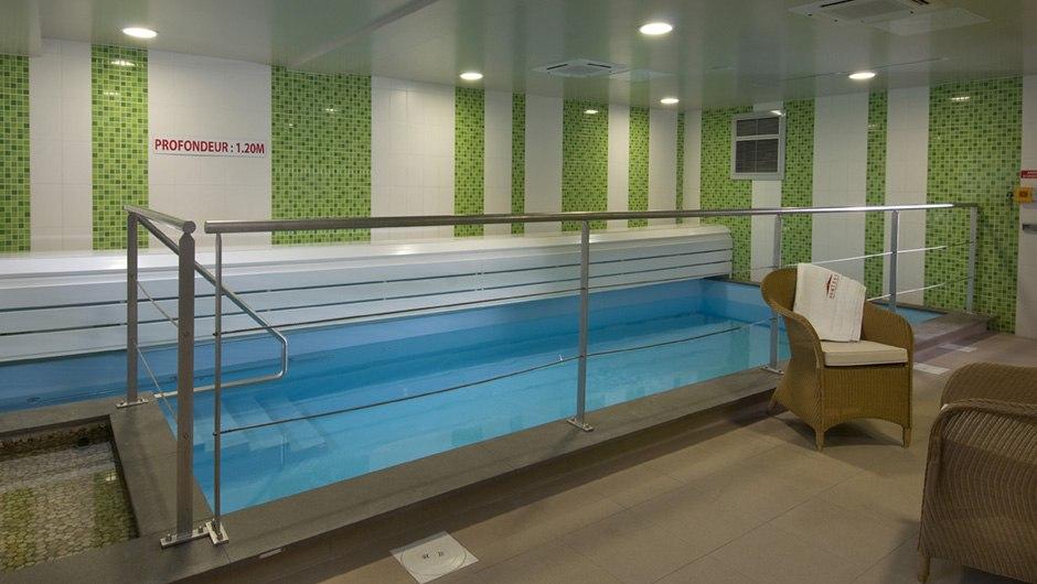 residence-seniors-chartres-domitys-piscine