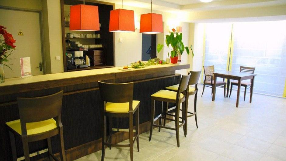 residence-seniors-chateauroux-domitys-bar
