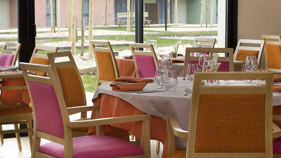 residence-seniors-laille-domitys-restaurant