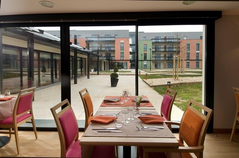 residence-seniors-laille-domitys-restaurant1