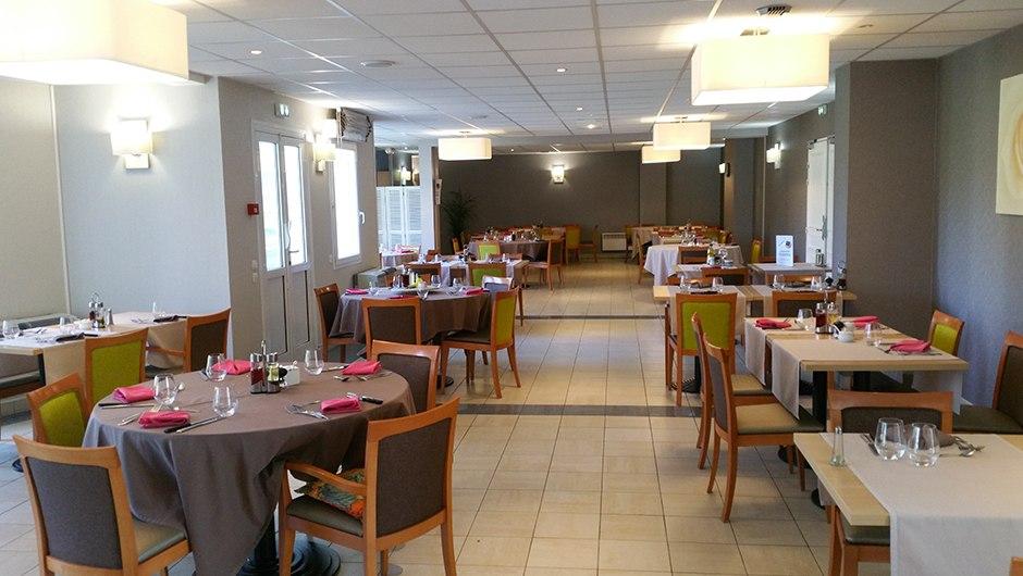 residence-seniors-les-gonds-domitys-la-seigneurie-restaurant