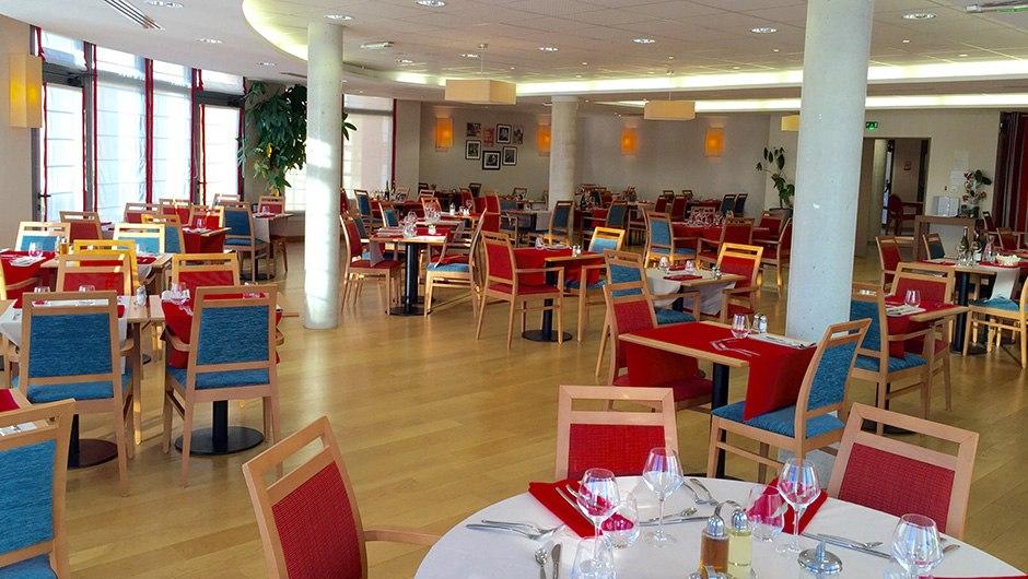 residence-seniors-saint-doulchard-domitys-restaurant