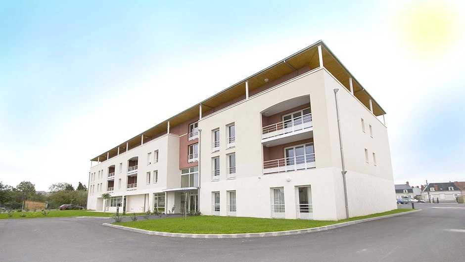 residence-seniors-vierzon-domitys-le-village-ext1