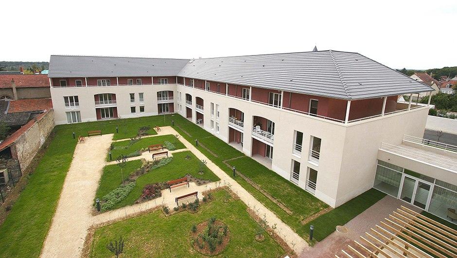 residence-seniors-vierzon-domitys-le-village-ext2