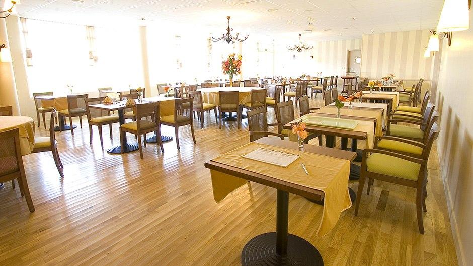 residence-seniors-vierzon-domitys-le-village-restaurant