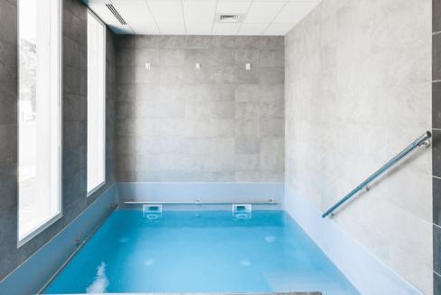 piscine-residence-senior-Reignier-Esery-ovelia
