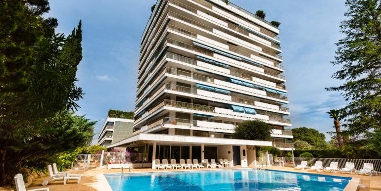 Jardins d'Arcadie Cannes résidence seniors piscine