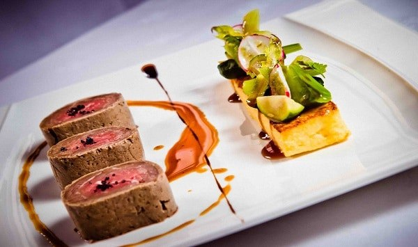 repas gastronomique viande