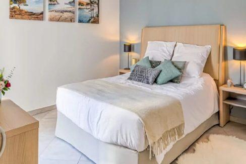 chambre-residence-senior-seyne-sur-mer-girandieres