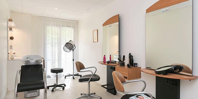 villa-médicis-saint-laurent-du-var-salon-de-coiffure