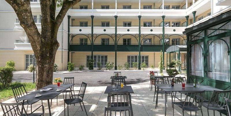 Residence seniors Villa Médicis Dijon petites roches façade