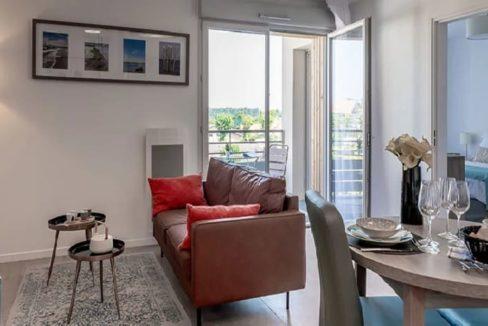 appartment-residence-senior-cognac-girandieres
