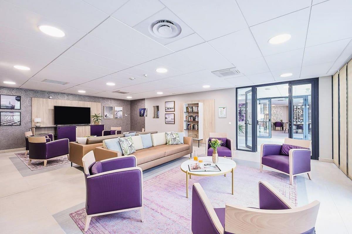 espace-commun-residence-senior-cenon-girandiere