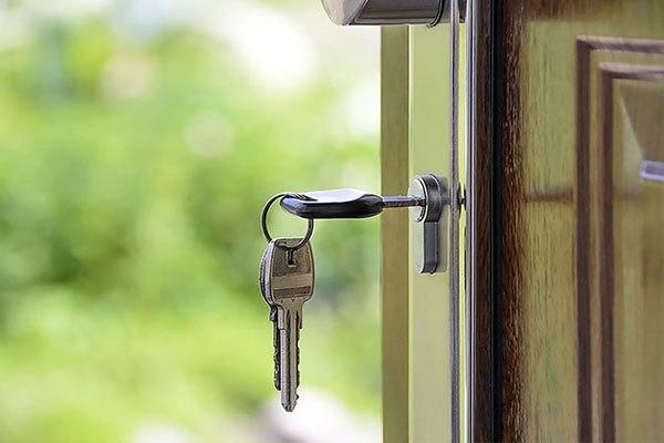 serrure clé et porte