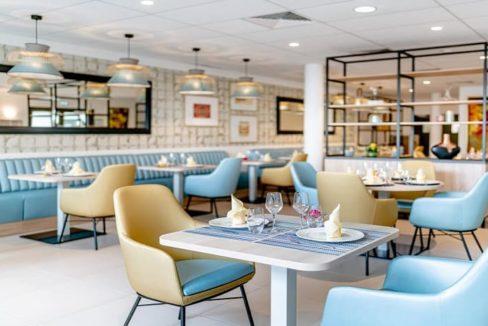 restaurant-residence-senior-cognac-girandieres