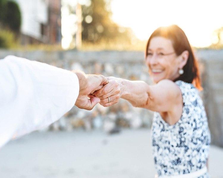 couple amoureux residences seniors
