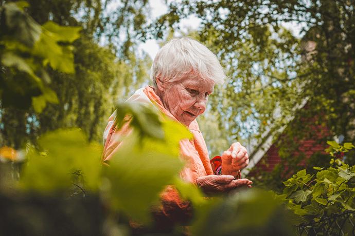 Isolement-personnes-âgées