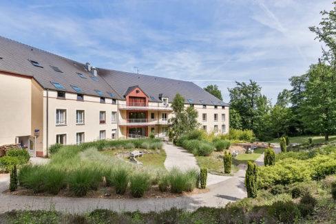 exterieur-residence-senior-colisee-saint-lubin-des-jonquerets