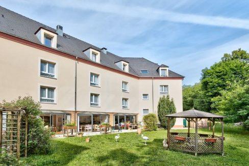 jardin-residence-senior-colisee-saint-lubin-des-jonquerets