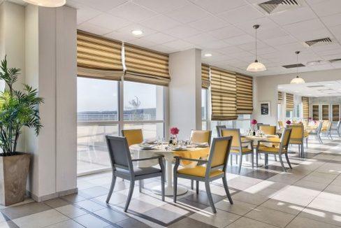 restaurant-residence-senior-colisee-sausset-les-pins