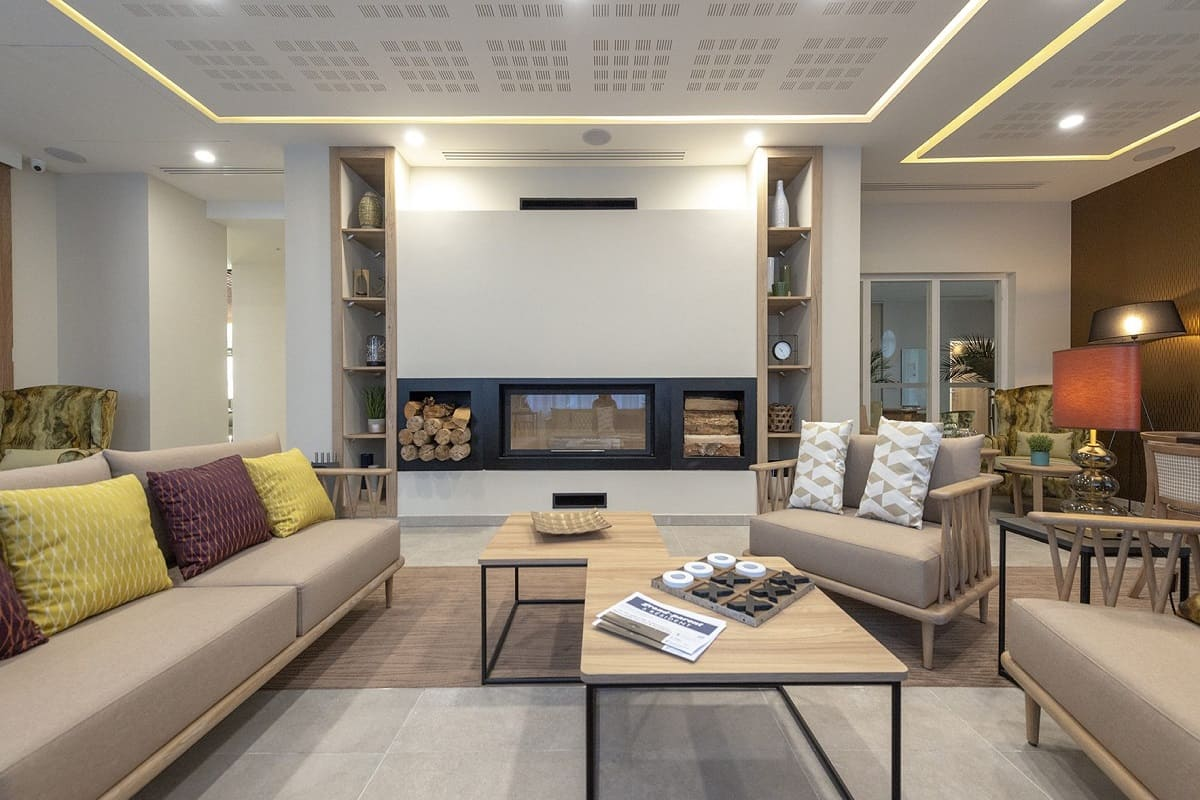 salon-commun-residence-senior-salon-de-provence-cogedimclub