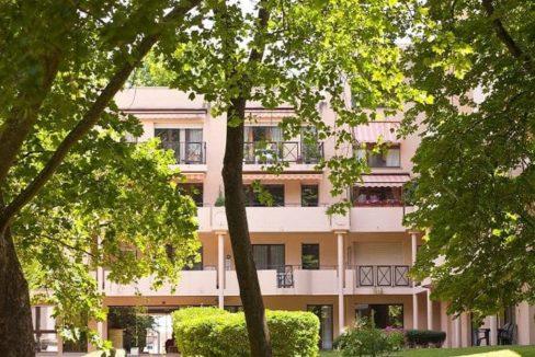 façade-residence-senior-dijon-jardin-darcadie