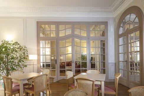 mediatheque2-residence-senior-dijon-jardin-darcadie
