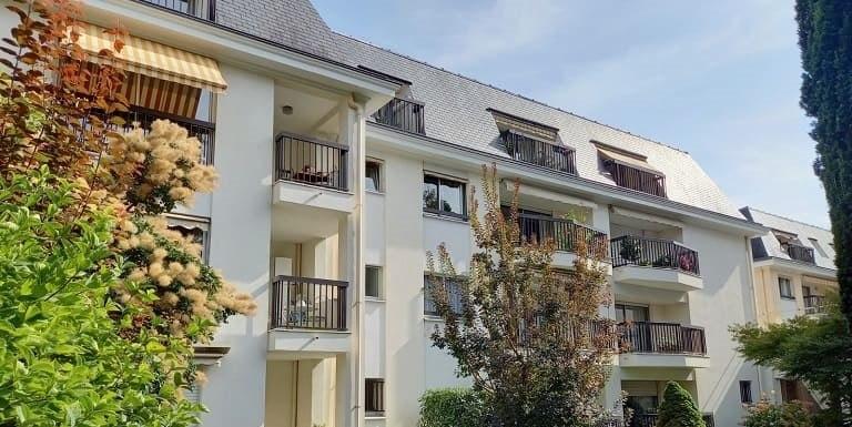 facade-résidence-senior-carnot-domitys-bourge-la-reine