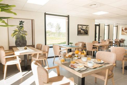 restaurant-residence-senior-stella-villeneuve-le