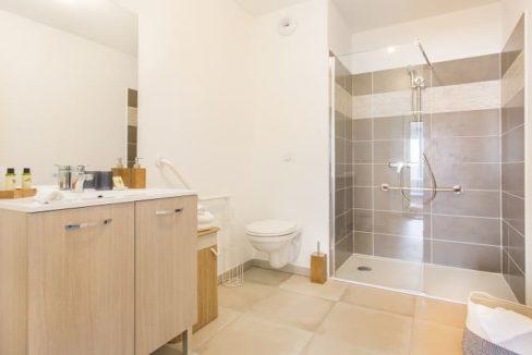salle-de-bain-residence-senior-stella-villeneuve
