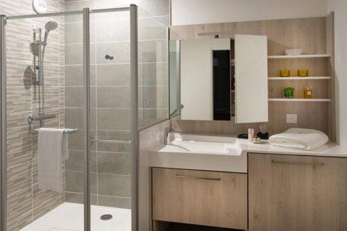 residence-senior-domitys-salle-de-bain_43