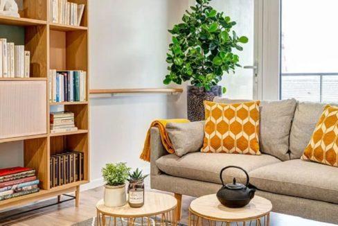 bibliotheque-residence-senior-tours-girandieres