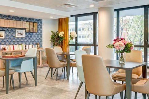 restaurant-residence-senior-tours-girandieres
